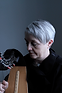 Helen Davies´s career as a harpist is diverse and eclectic.