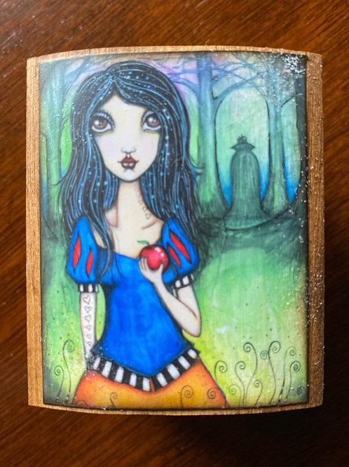 Pixie Box - Margaretha (Homage to Snow White)