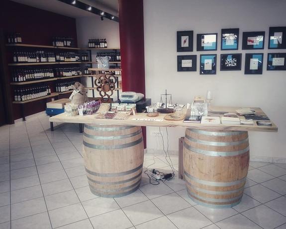 Barolo Store 02-01.jpeg