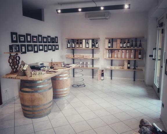 Barolo Store 03-01.jpeg