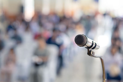 soft-focus-head-microphone-stage-student