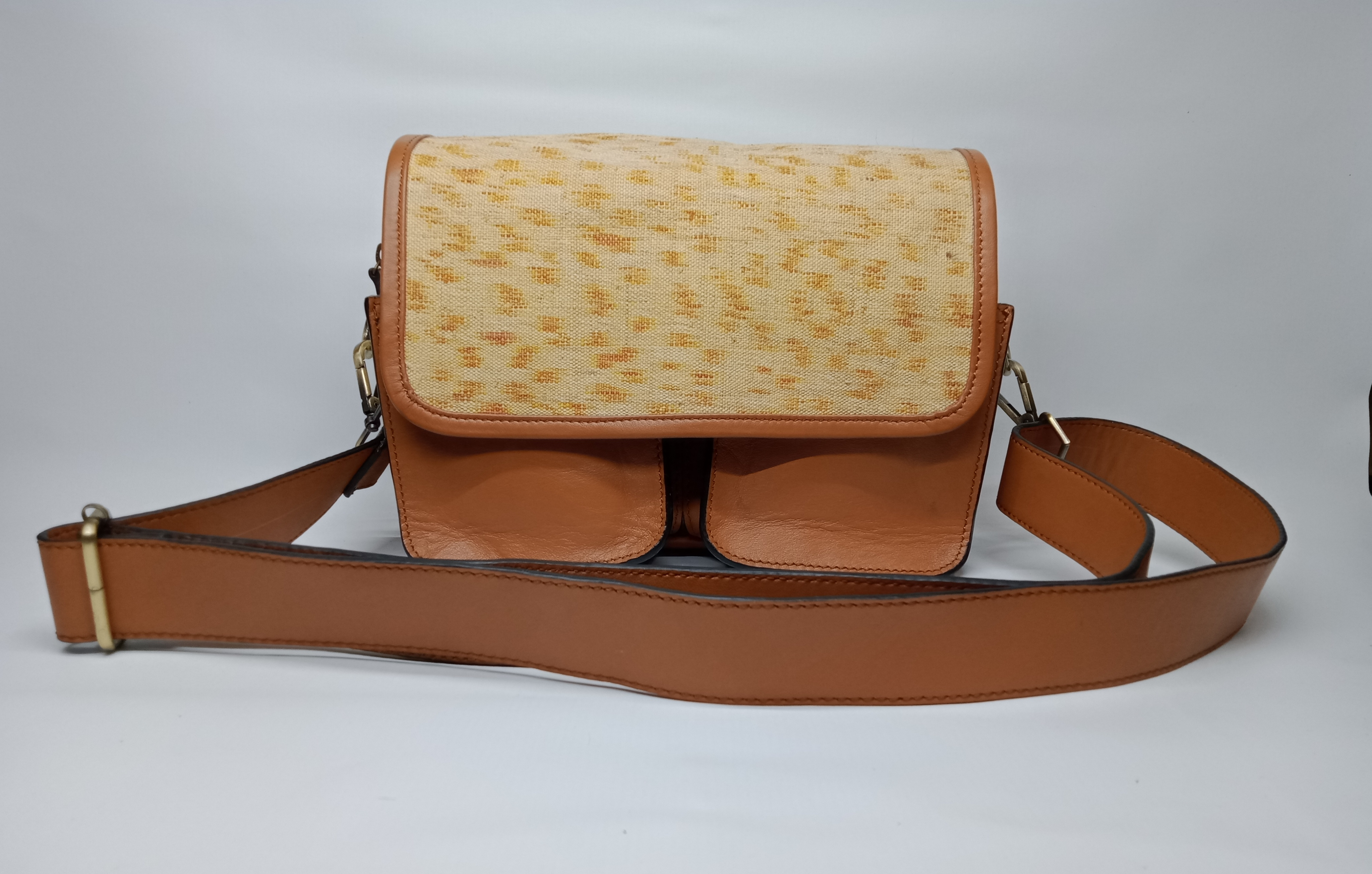 Doyo Sling Bag