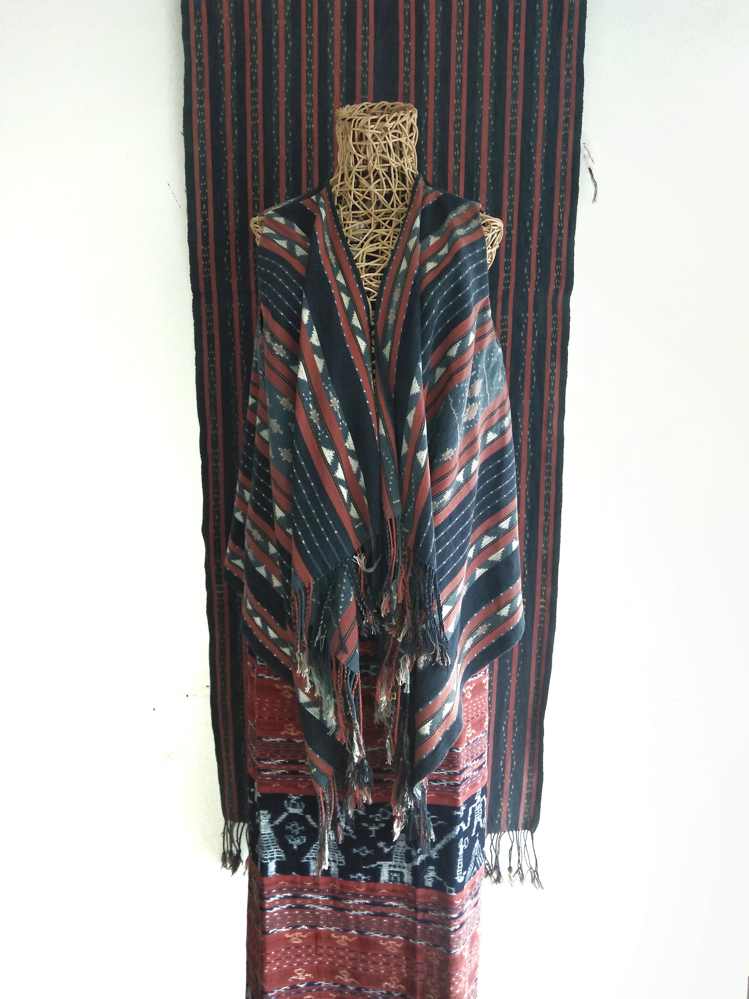 Ikat Outer 01