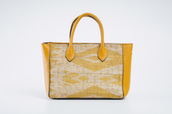 Doyo Handbag with Long Strap