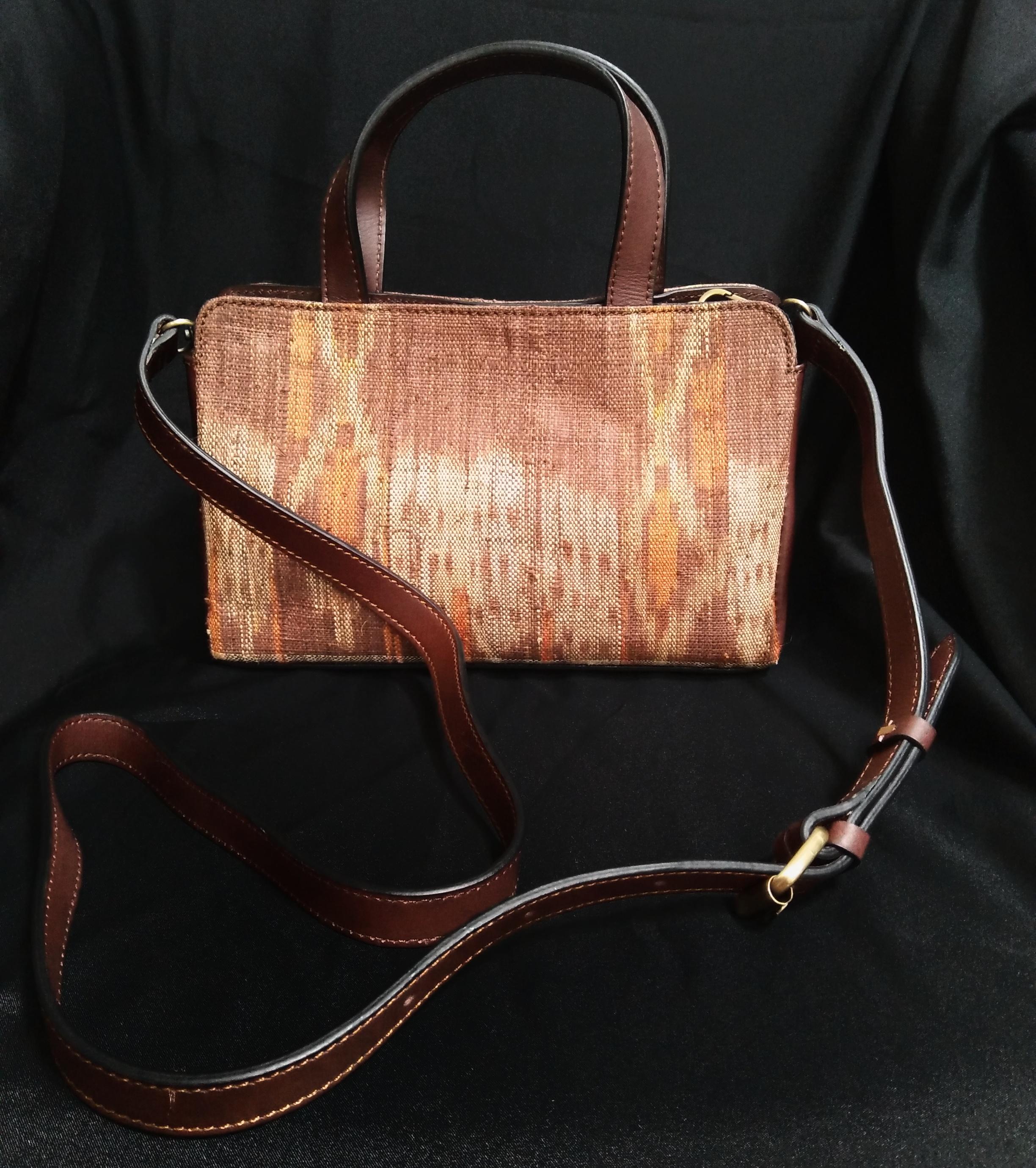 Doyo Handbag 01- Ikat