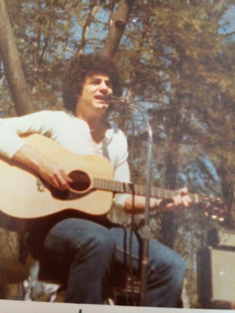 john-carnuccio-papa-nooch-vintage-music-acoustic-guitar