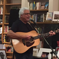 john-carnuccio-papa-nooch-singing-guitar-books-1