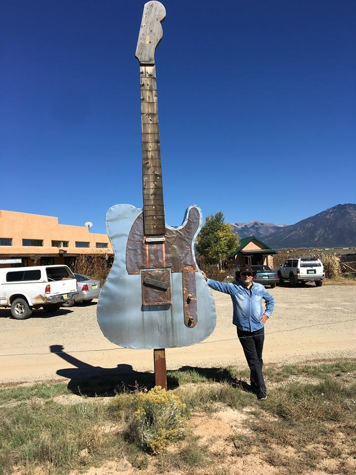 john-carnuccio-papa-nooch-giant-guitar