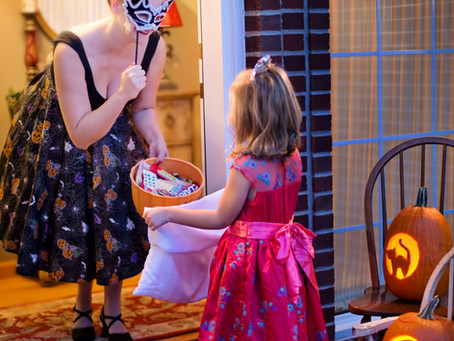 Divorced & Trick-or-Treating: How to Help Your Kids Enjoy the Night!