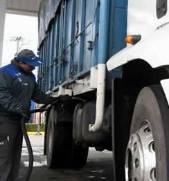 """Qué impacto tendrá el """"barril criollo"""" a USD 45 en los precios de los combustibles"""