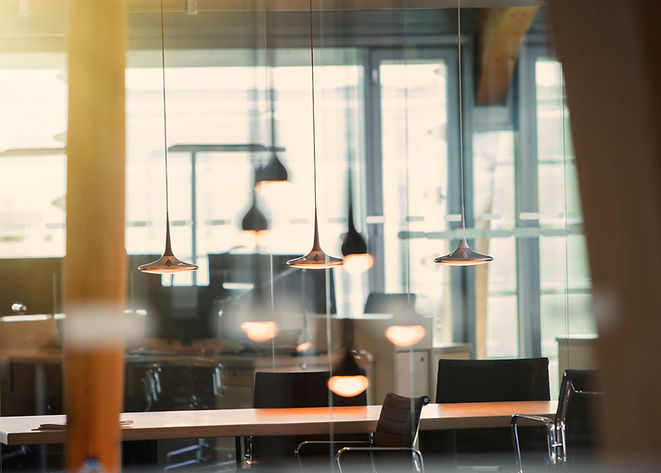 Office met hanglampen