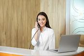 Dokters receptioniste shutterstock_70359
