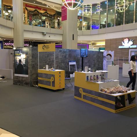 Yellow Ribbon Mall Outreach 2016_6-min.J