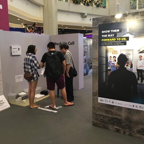 Yellow Ribbon Mall Outreach 2016_7-min.J