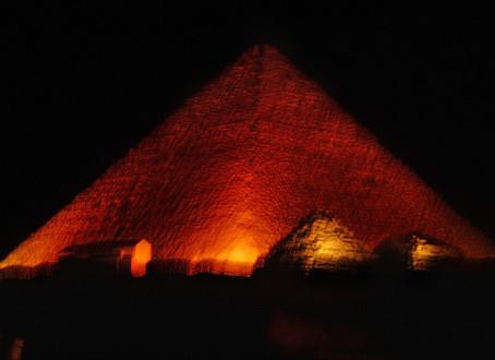 איך נבנו הפירמידות