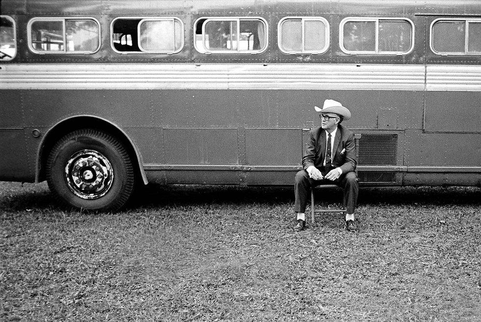 Monroe-Solo-Bus-CU_sm.jpg