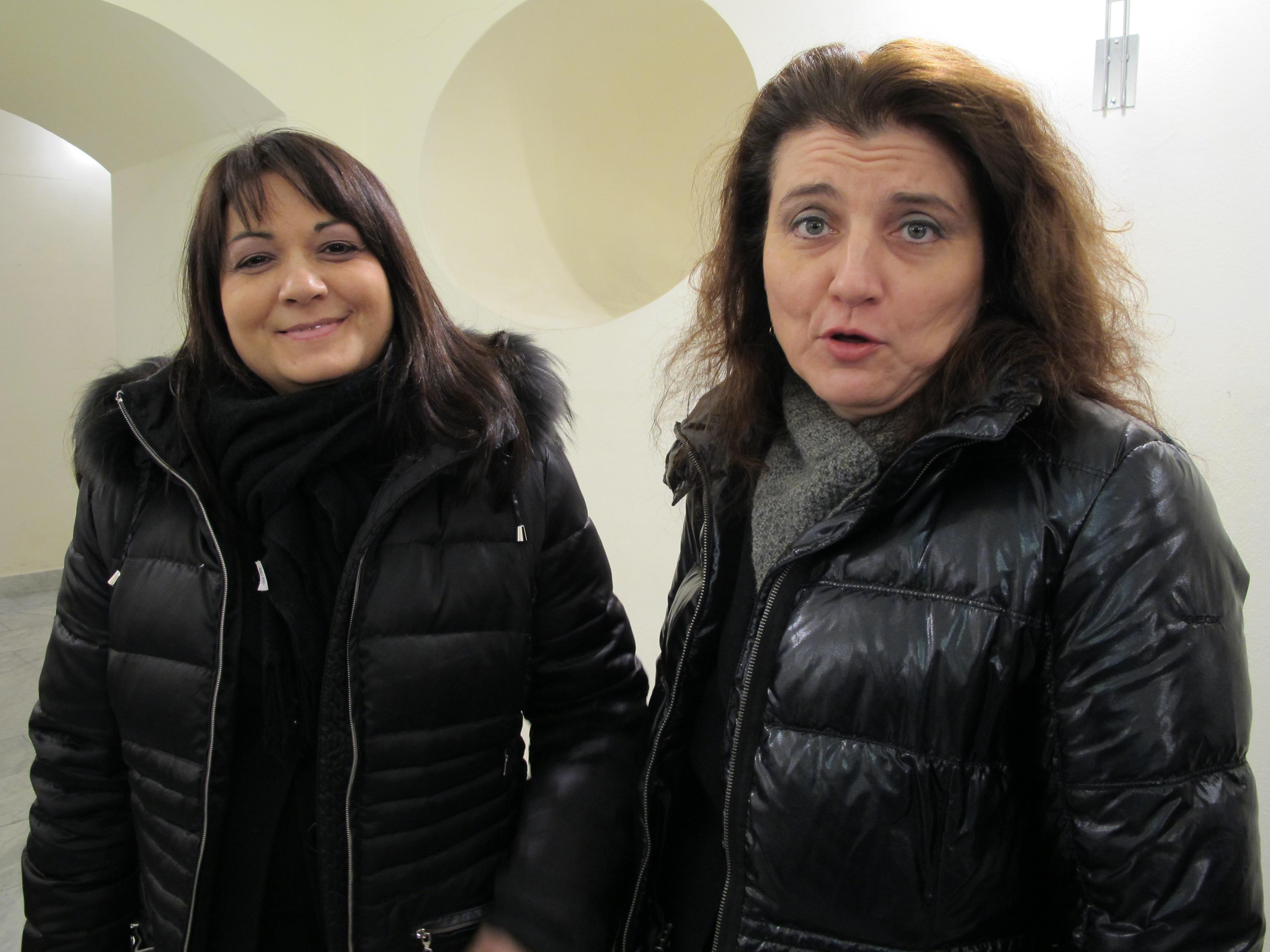 12 MARZO 2011 - GENOVA DEI MILLE - CON ALLOISIO E DE SCALZI Cristina e Laura.jpg