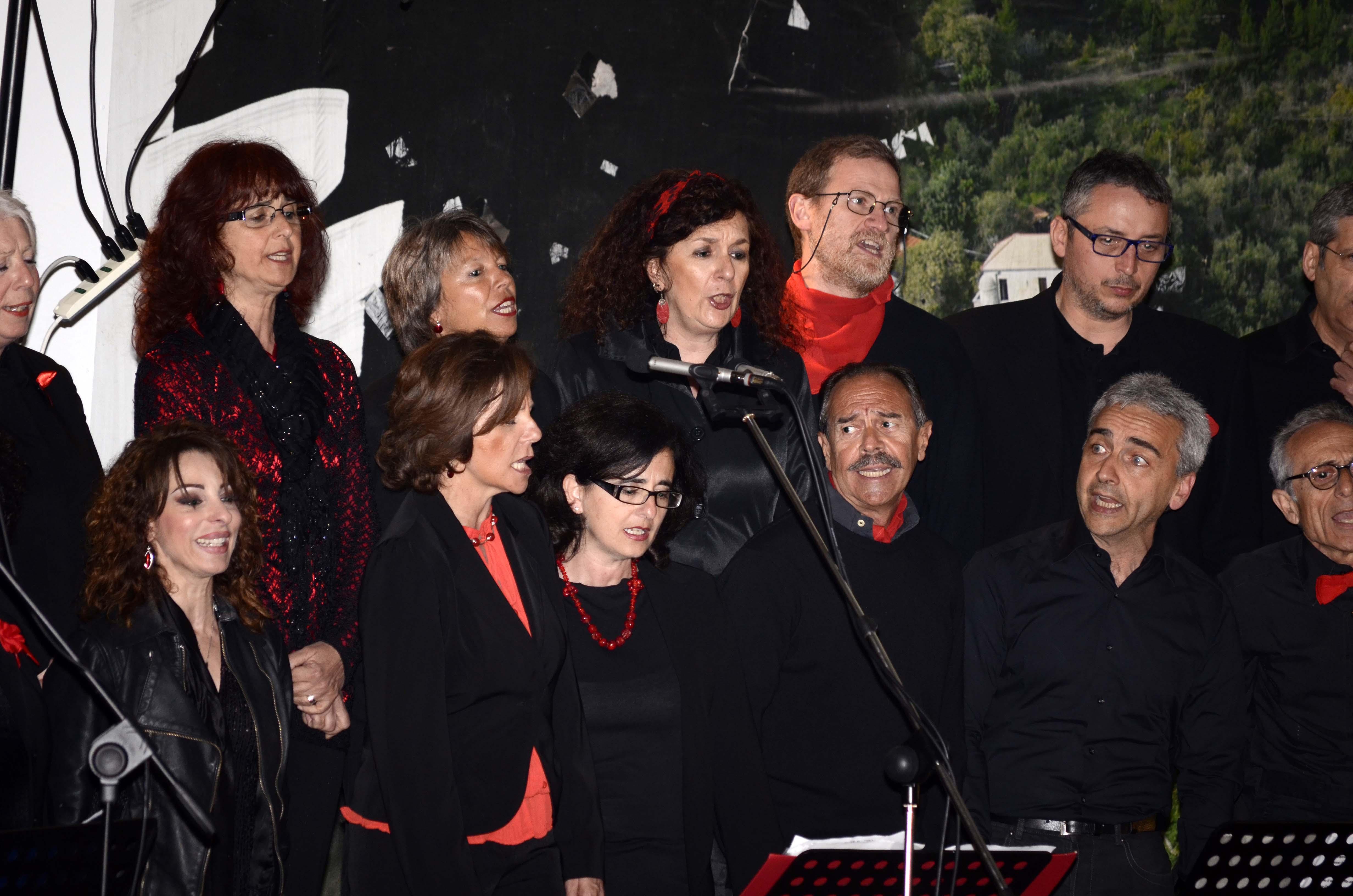 1 GIUGNO 2013 - ANDORA - da soprani a tenori primi.jpg