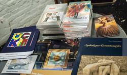 Books_002_HP