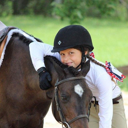 Pony hugs are the best kinds of hugs 💕.