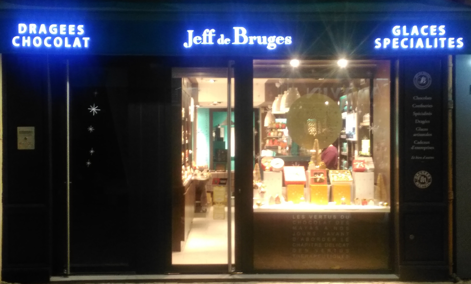 Lambrequin Lumineux LED pour JEFF DE BRUGES St MAXIMIN
