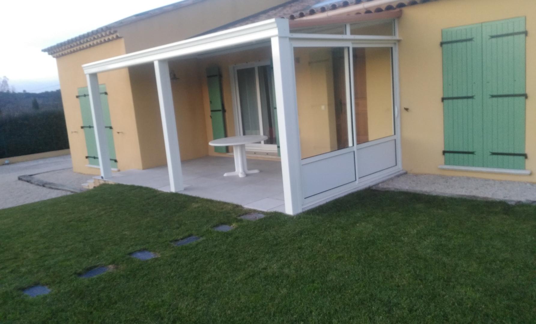 Fermeture de terrasse en vue de Véranda.jpg