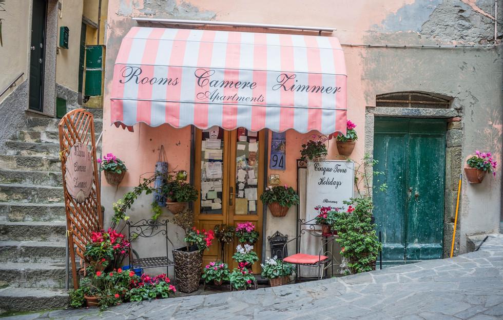 Tende per attività commerciali su misura da Applitenda a Verona