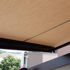 Tenda avvolgibile con sensore vento