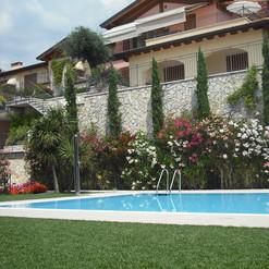 Tende a bracci per residence sul Lago di Garda