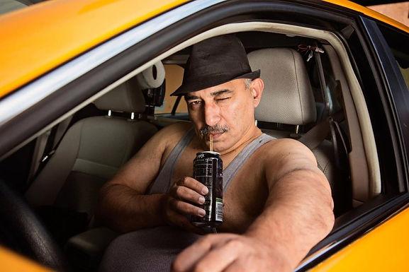 Заказ такси или услуги частника: решаем проблему выбора.