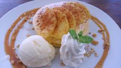 アップルシナモン パンケーキ