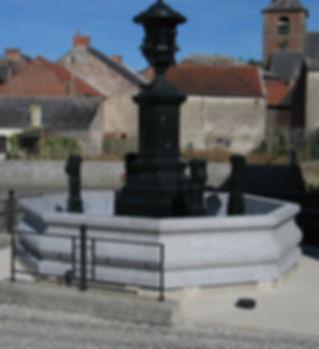 Fontaine en Pierre Bleue du Bocq