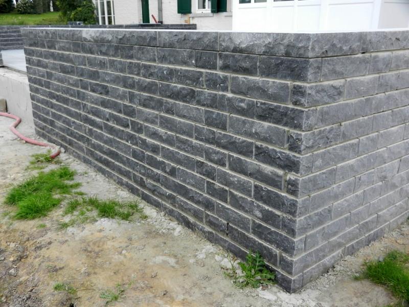 Mur extérieur en moellons