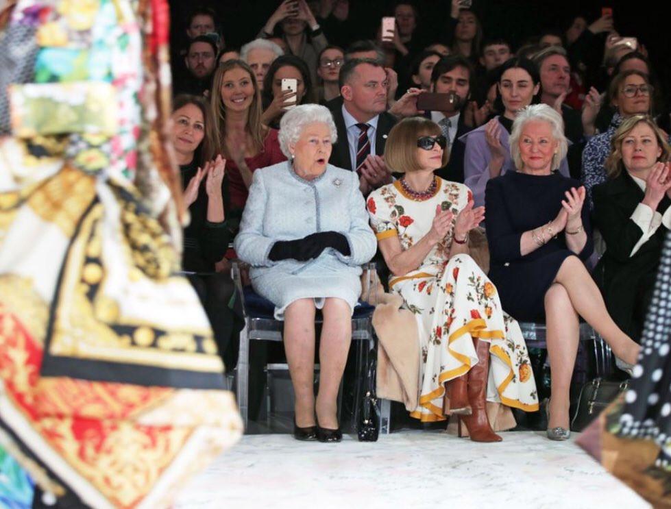 2018 moda haftası kraliçe elizaneth