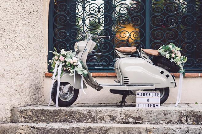 scooter fleuri