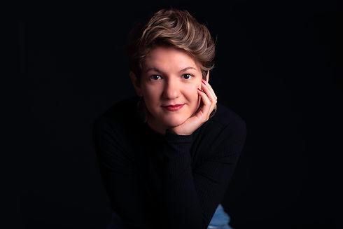 Professional-portrait-photo-on-black-background