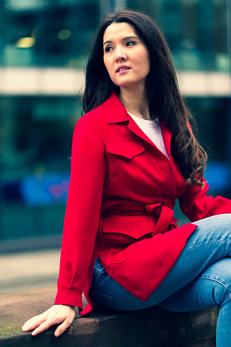 Outdoor-portrait-photo-with-red-jacket