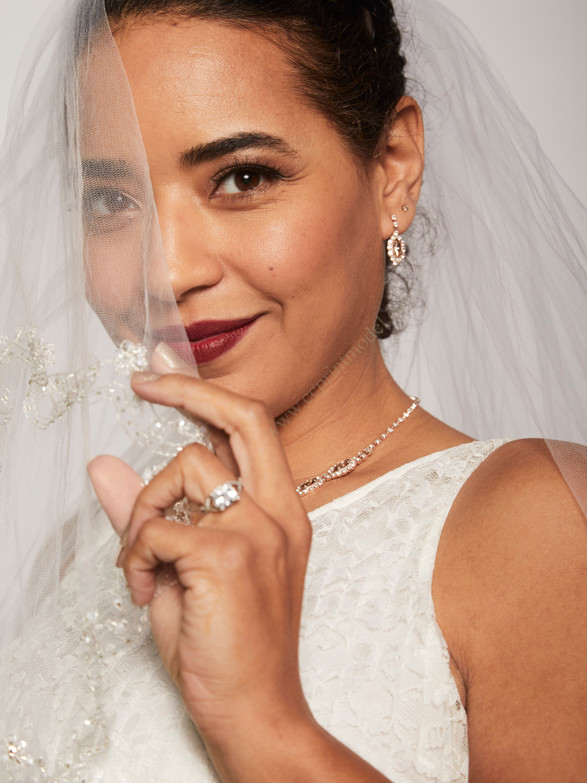 White lace bridal veil