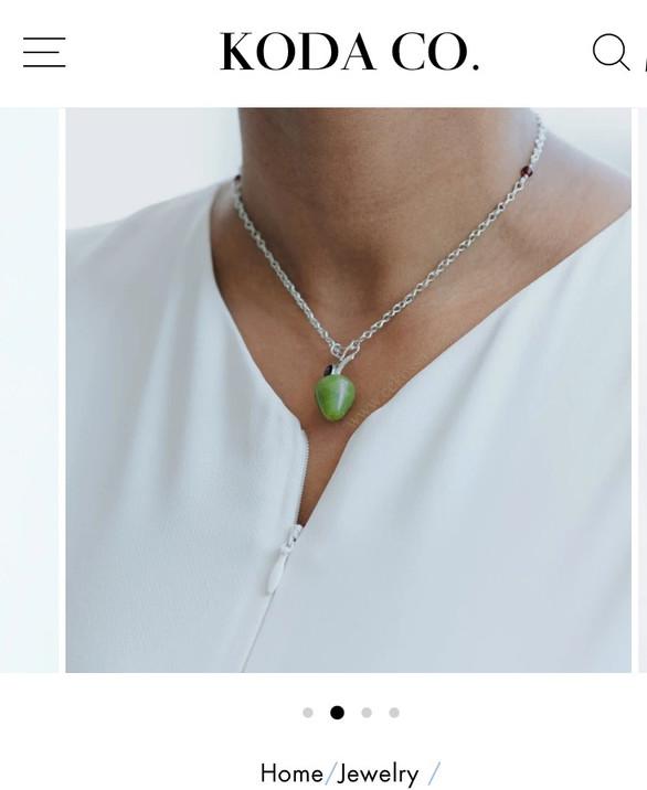 parts model delicate necklace