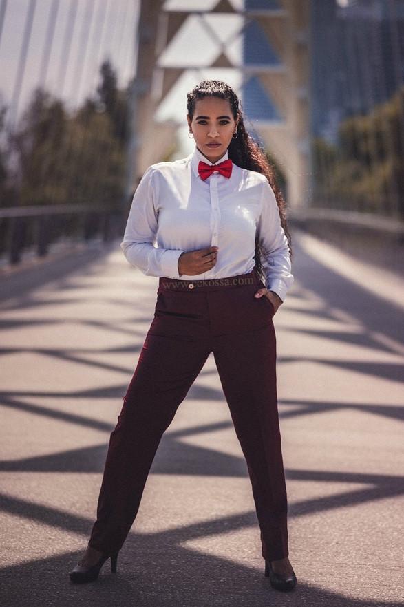 toronto fashion model on bridge
