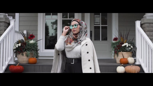 Hijabi model mirrored sunglasses