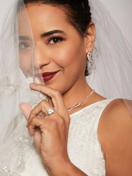 bridal model white lace veil