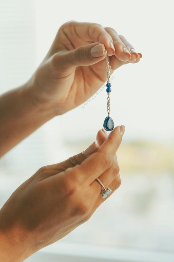 elegant hands drop earring