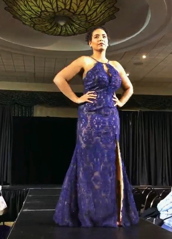 curvy runway model Kitchen fashion show