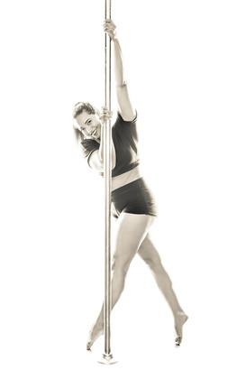 curvy pole fitness model