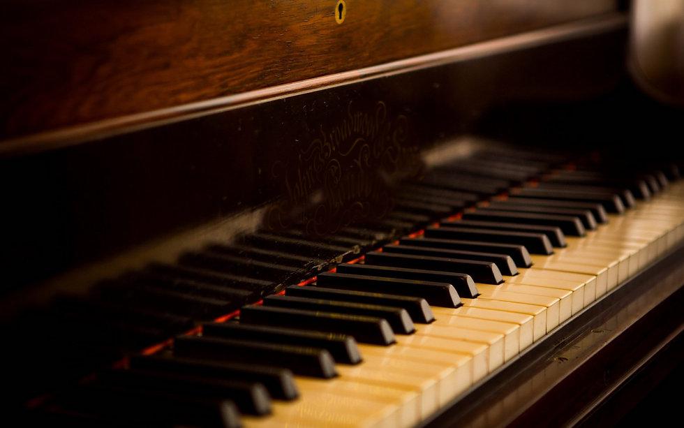 Piano Tuner Las Vegas