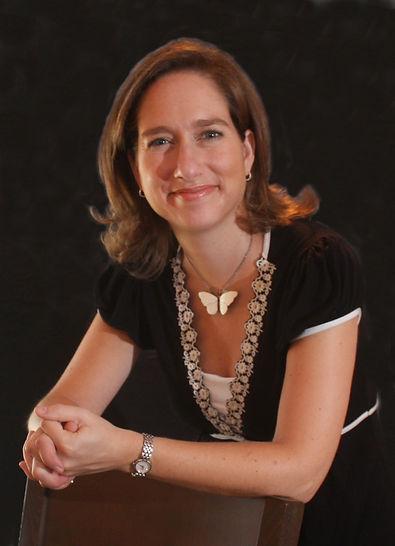 Elizabeth Thalhimer Portrait edited.jpg