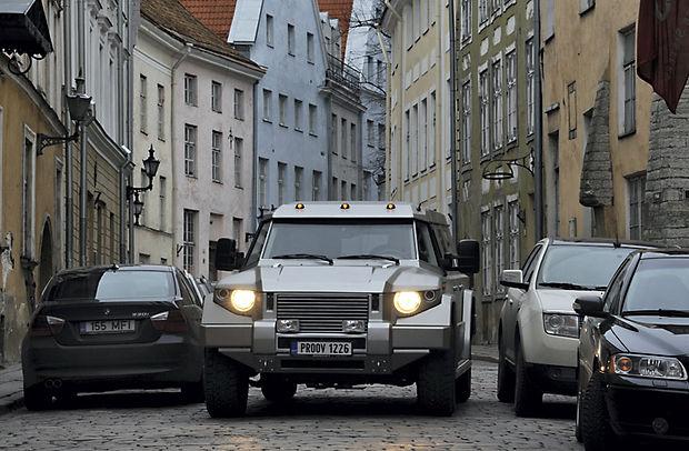Kombat T-98 VIP Armored car