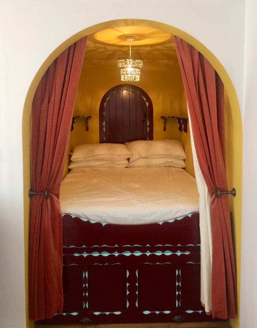 The Little Vardo bed chamber