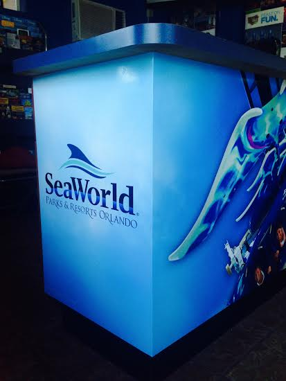 SeaWorldDesk2.jpg